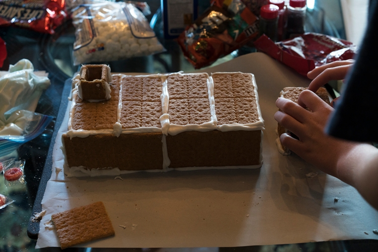 christmasgrahamcrackerhouse2