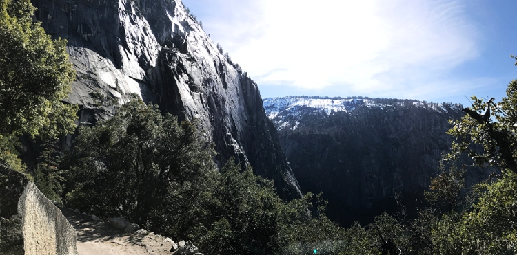 yosemitevalleyscenicview